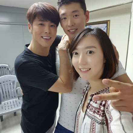 150827 Old Photos of TVXQ! Backstage with Han Sunsoo at T1ST0ry Encore Concert in Seoul 001